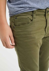 WE Fashion - Slim fit jeans - army green - 2