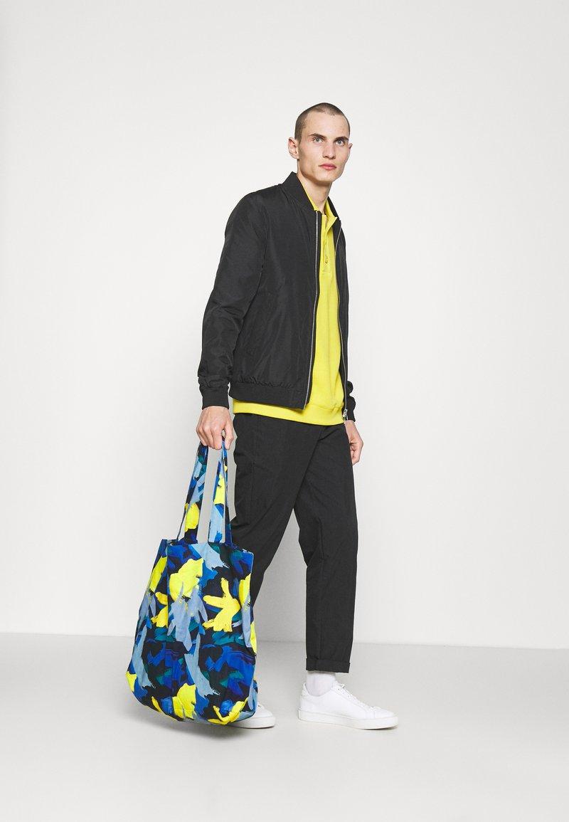 STUDIO ID - TOTE BAG L - Tote bag - multicoloured/blue