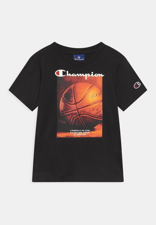 GRAPHIC SHOP CREWNECK UNISEX - Print T-shirt - black