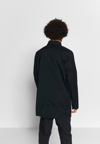 Columbia - EAST PARK™ MACKINTOSH JACKET - Kurzmantel - black - 4