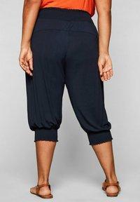Sheego - Shorts - marine - 2