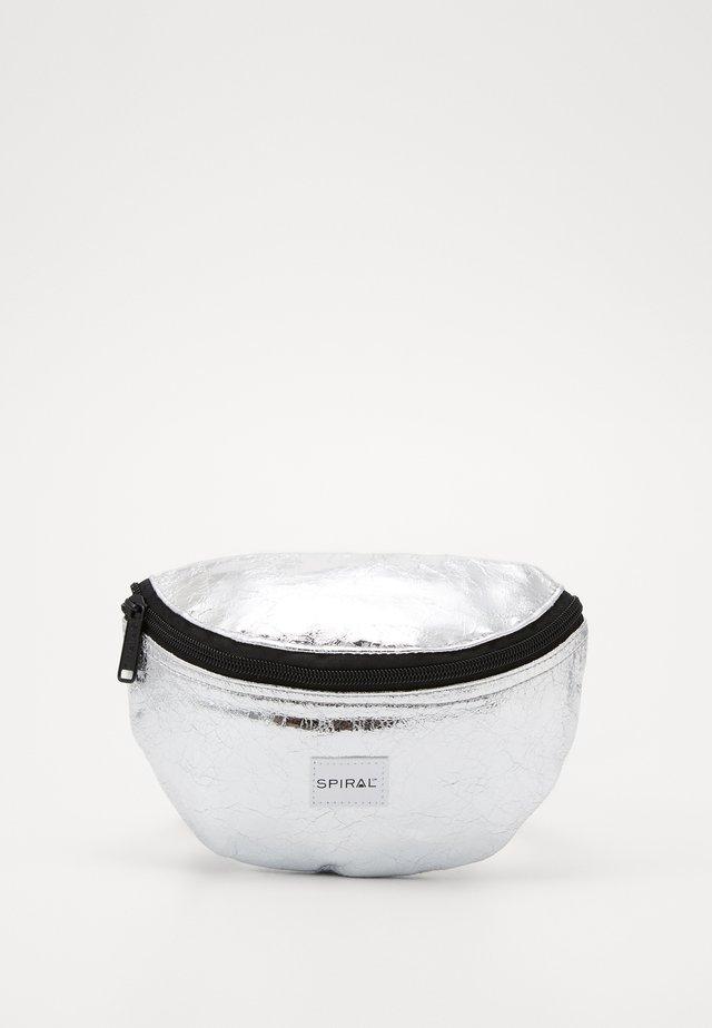 BUM BAG - Sac banane - silver glaze