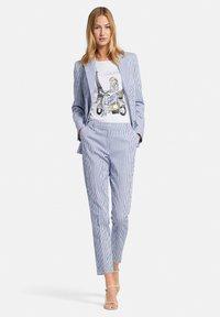 Uta Raasch - Trousers - blau/offwhite - 1