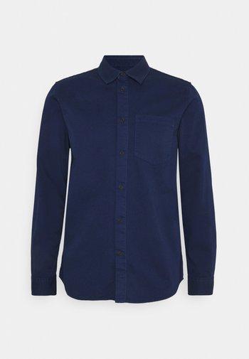 CHET - Camisa - blueberry