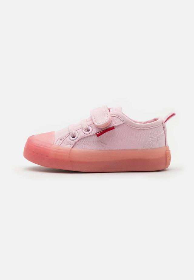 MAUI UNISEX - Sneakersy niskie - light pink