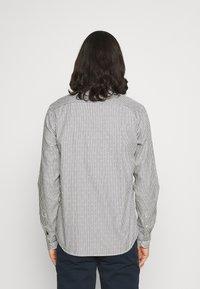Scotch & Soda - REGULAR FIT STRIPED OXFORD - Shirt - grey - 2