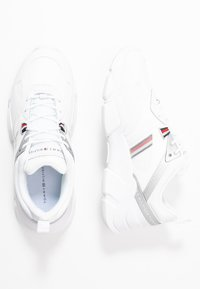 Tommy Hilfiger - TECHNICAL CHUNKY - Trainers - white/silver - 3