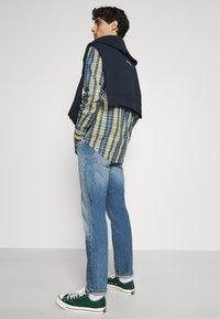 Ben Sherman - POP TARTAN CHECK - Overhemd - mood indigo - 3