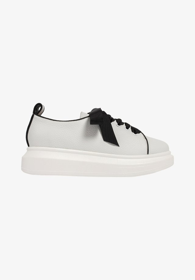 KEEP IT CASUAL - Baskets basses - white