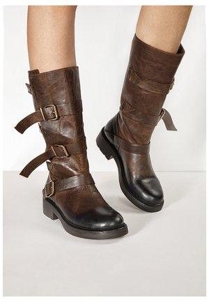 Cowboy/Biker boots - praline prn
