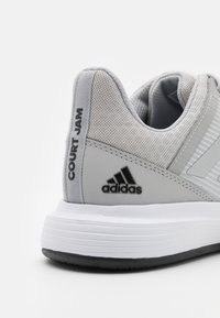 adidas Performance - COURTJAM BOUNCE - Multicourt tennis shoes - grey two/silver metallic/core black - 5