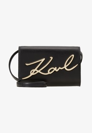 SIGNATURE BELT BAG - Bum bag - black/gold-coloured