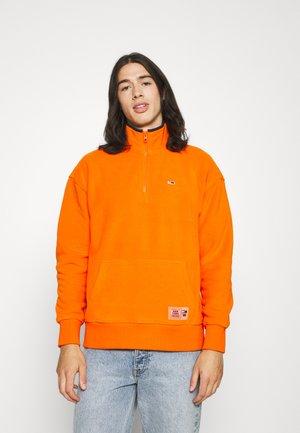POLAR MOCK NECK UNISEX - Fleecová mikina - magnetic orange/navy