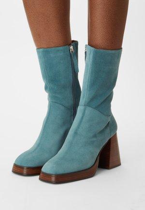 Platform boots - ottanio