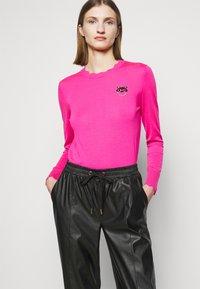 Pinko - FIBBIA PANTALONE - Spodnie materiałowe - black - 3