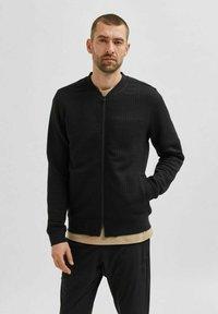 Selected Homme - Zip-up sweatshirt - black - 0
