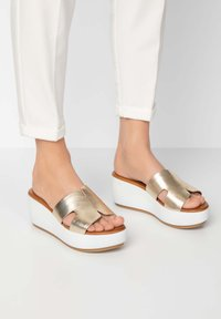 Inuovo - Heeled mules - gold gld - 0
