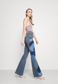 BDG Urban Outfitters - RIP AND REPAIR - Flared jeans - mid vintage - 3