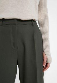 Bruuns Bazaar - CINDY DAGNY PANT - Pantalon classique - deep forest - 5