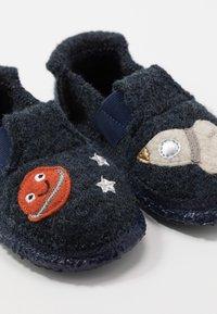 Nanga - ROCKET BOY - Pantuflas - blau - 6