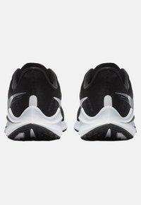 Nike Performance - AIR ZOOM VOMERO  - Neutral running shoes - black/dark grey/ white - 3