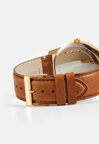 Guess - Klocka - gold-coloured/brown - 1