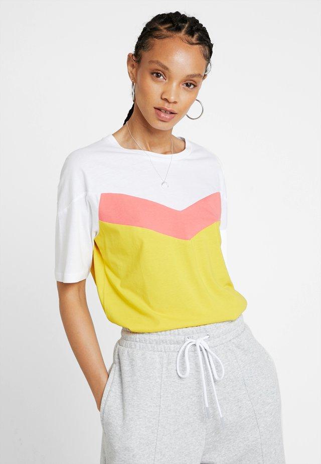 Print T-shirt - sulphur