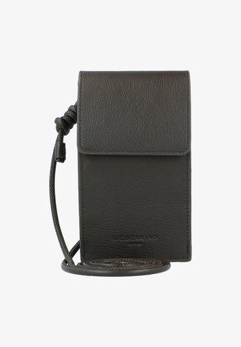 Phone case - nori green