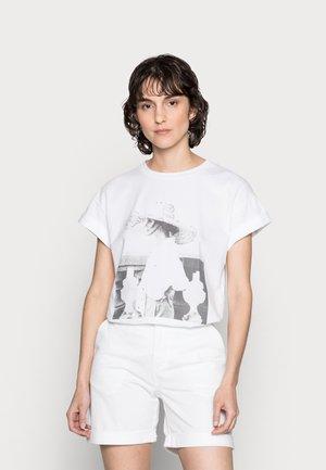 T-SHIRT WITH PRINT - Print T-shirt - white
