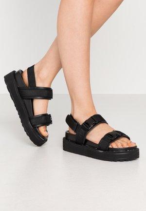 AMANDA - Sandály na platformě - black