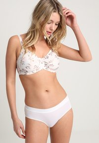 Triumph - MY FLOWER MINIMIZER  - Underwired bra - skin/light combination - 1