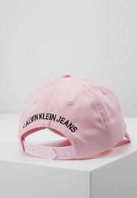 Calvin Klein Jeans - MONOGRAM BASEBALL - Kšiltovka - pink - 3