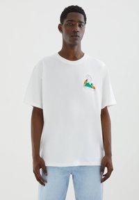 PULL&BEAR - Printtipaita - off-white - 0