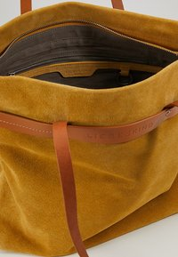 Liebeskind Berlin - Tote bag - tawny yellow - 4