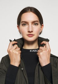 KARL LAGERFELD - RAIN PONCHO WATERPROOF - Parkaer - khaki - 6