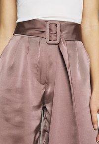 UNIQUE 21 - HIGH WAIST BELTED - Shorts - mocha - 4