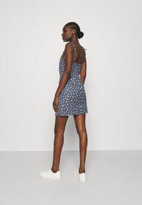 Abercrombie & Fitch - TIE STRAP SHORT DRESS - Sukienka letnia - blue - 2