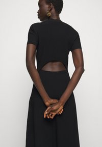 Proenza Schouler White Label - CUT OUT BACK KNIT DRESS - Jumper dress - black - 3