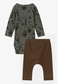 Name it - NBMROBIN/NBMRYLVA SET - Trousers - agave green - 1