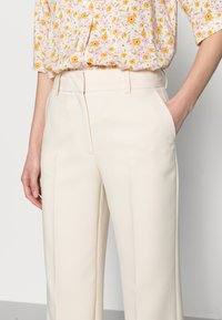 Selected Femme - SLFRITA WIDE PANT - Trousers - birch - 3