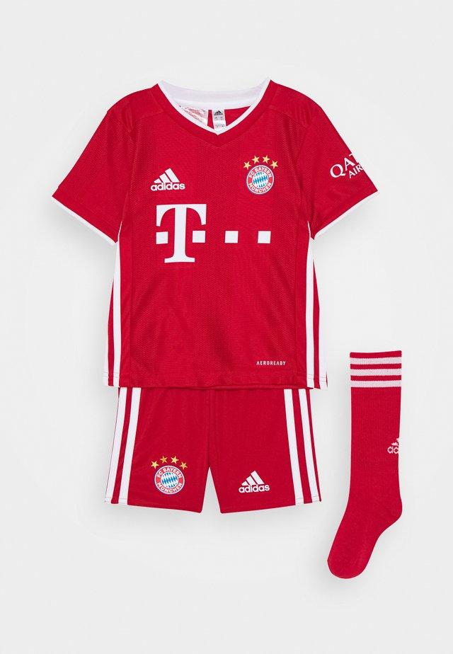 FC BAYERN MUENCHEN SPORTS FOOTBALL MINIKIT SET - Sports shorts - fcb true red