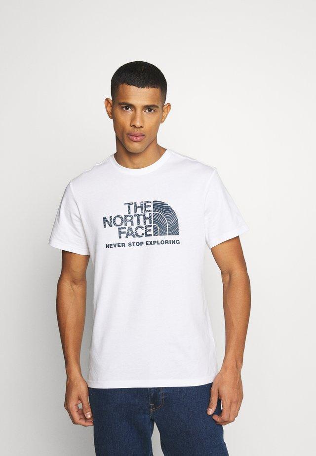 FILLED LOGO TEE - Langærmede T-shirts - white