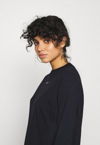 Nike Sportswear - DRESS - Jersey dress - black/white - 3