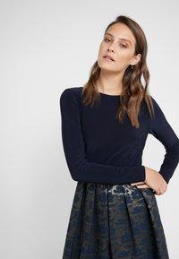 Lauren Ralph Lauren - LONG DRESS - Robe de soirée - gold/navy - 3