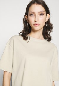 NA-KD - BOXY TEE - Basic T-shirt - beige - 4