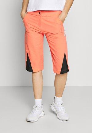 STAR FLOWZ SHORT  - Sports shorts - living coral/black