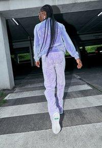 Juicy Couture - TINA TRACK PANTS - Trainingsbroek - pastel lilac acid wash - 2