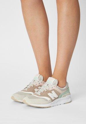 CW997 - Sneaker low - tan