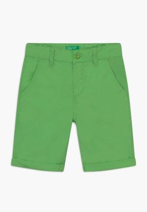 BERMUDA - Kraťasy - green