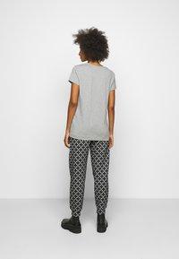 By Malene Birger - FEVIA - Basic T-shirt - med grey - 2